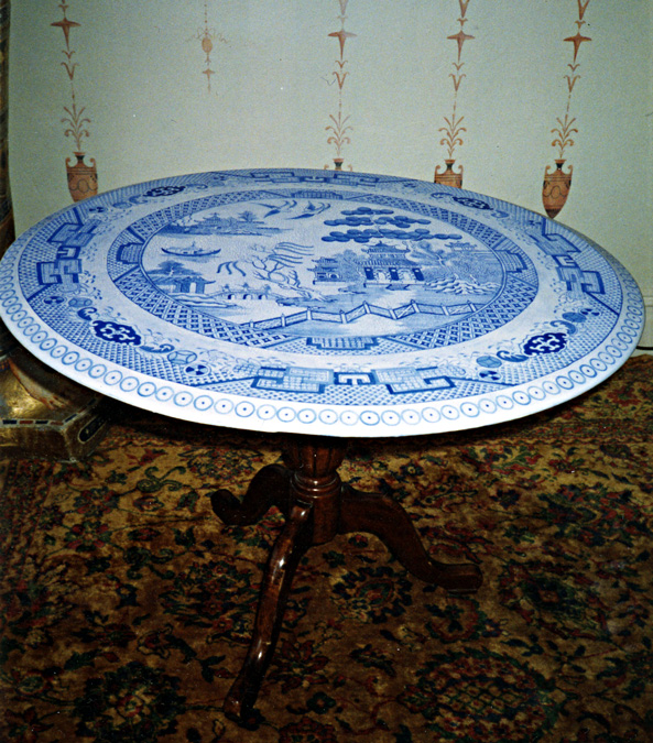 Blue Willow Table